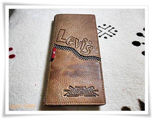 กระเป๋าสตางค์ levis สีน้ำตาลอ่อนใบยาว L002