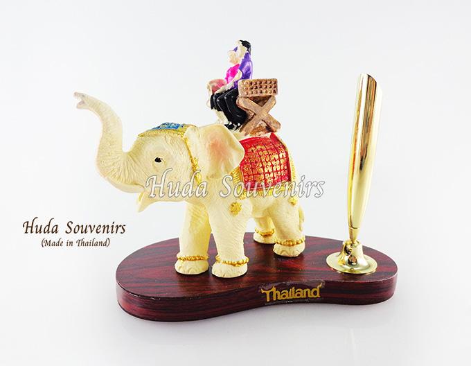 ของที่ระลึก ช้างทรงเครื่องเรซิ่น ที่เสียบปากกา รูปคนนั่งบนหลังช้าง สินค้าพร้อมส่ง