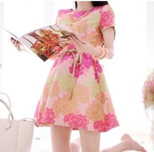"""size M """"พร้อมส่ง""""เสื้อผ้าแฟชั่นสไตล์เกาหลีราคาถูก Brand Myiwe เดรสสีชมพูลายดอก แขนสั้น ซิปหลัง ไม่มีซับใน มีผ้าผูกเอวให้ -size M"""