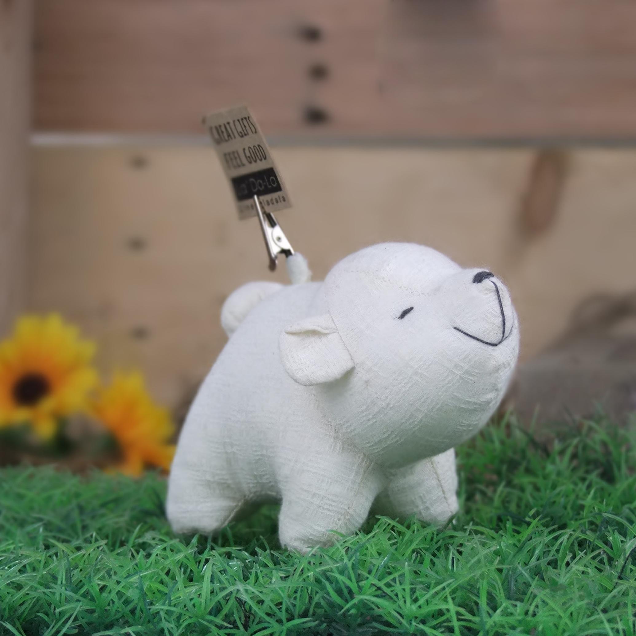 Let's be friends. (Flop) Polar Bear