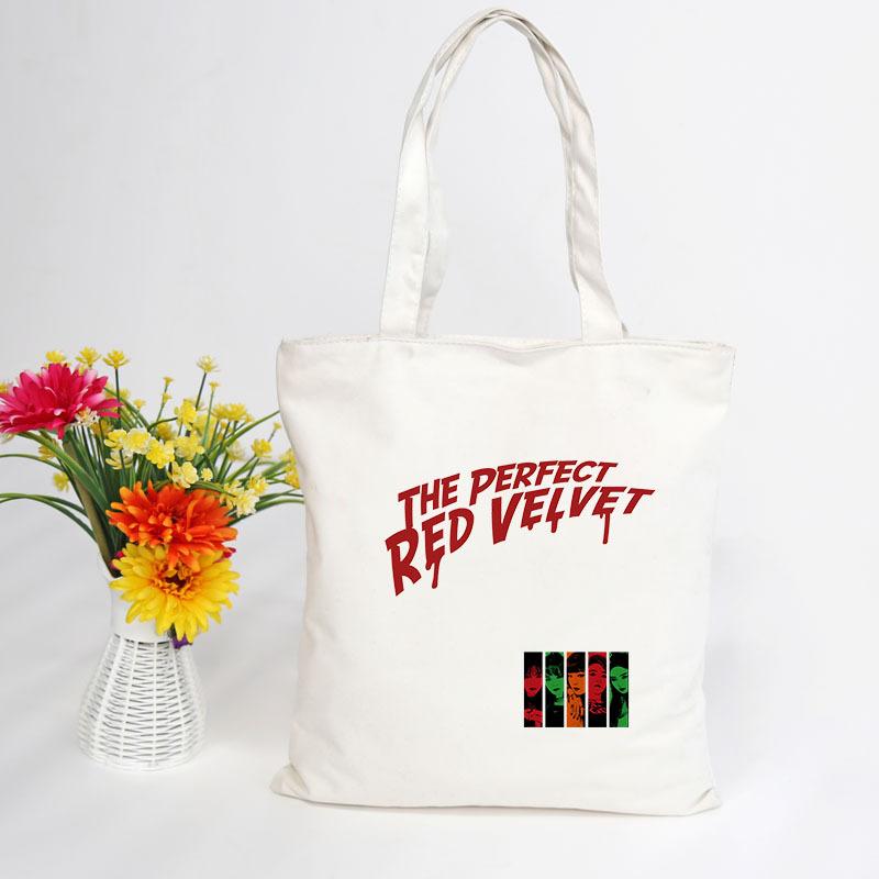 กระเป๋าผ้าสะพายข้าง - RED VELVET