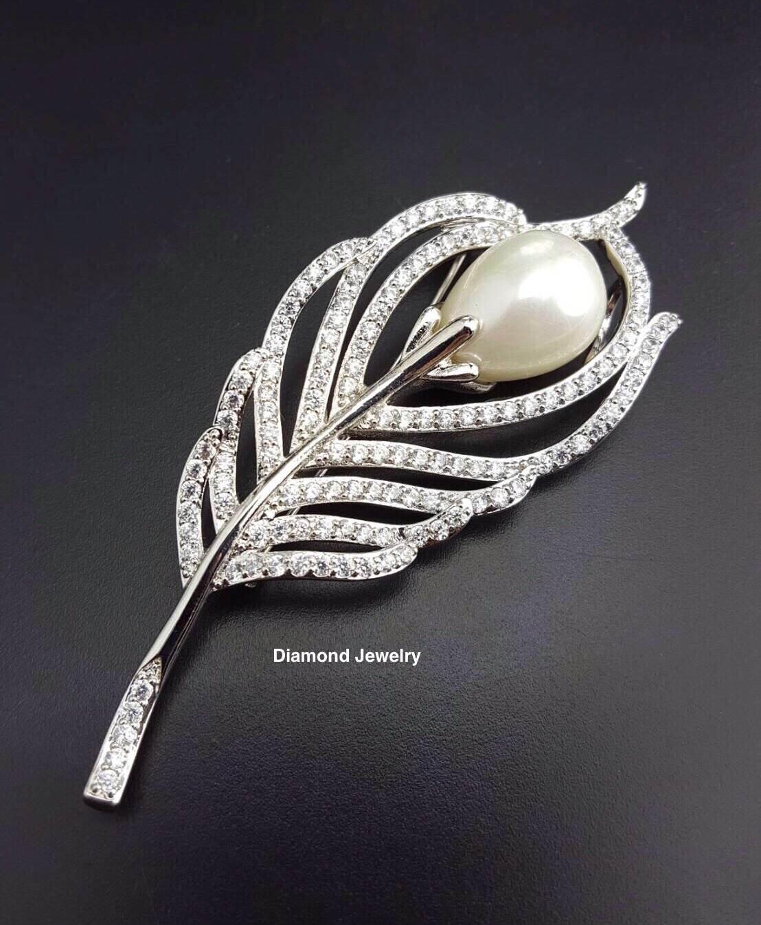 พร้อมส่ง Diamond Brooch เข็มกลัดใบไม้ประดับมุก