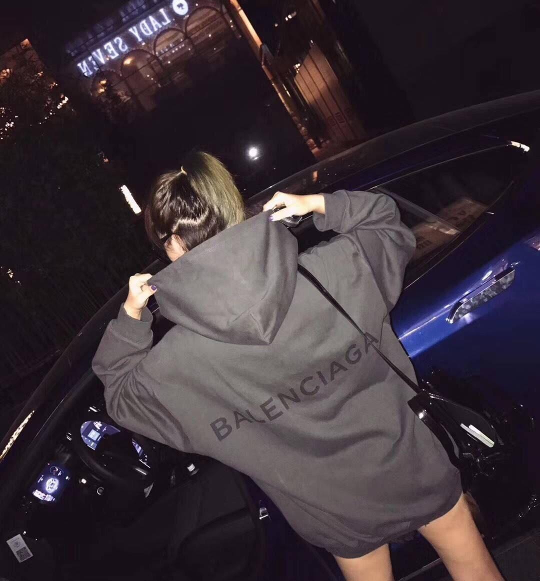 เสื้อผ้าเกาหลีพร้อมส่ง Balenciaga Hoodie Back LOGO