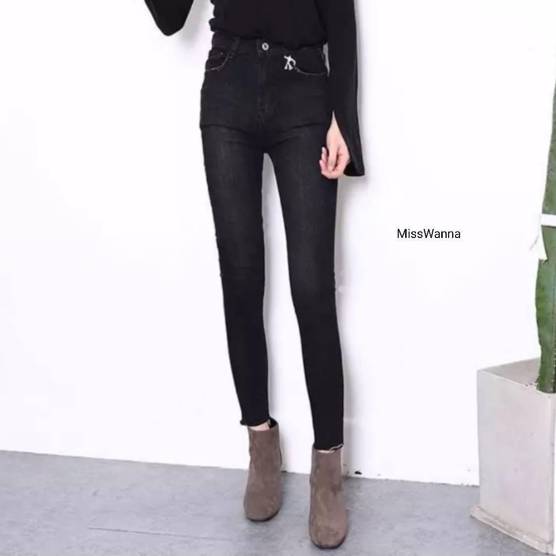 กางเกงยีนส์ขายาวเอวสูงผ้าฟอกสีดำผ้านิ่มมากๆใ
