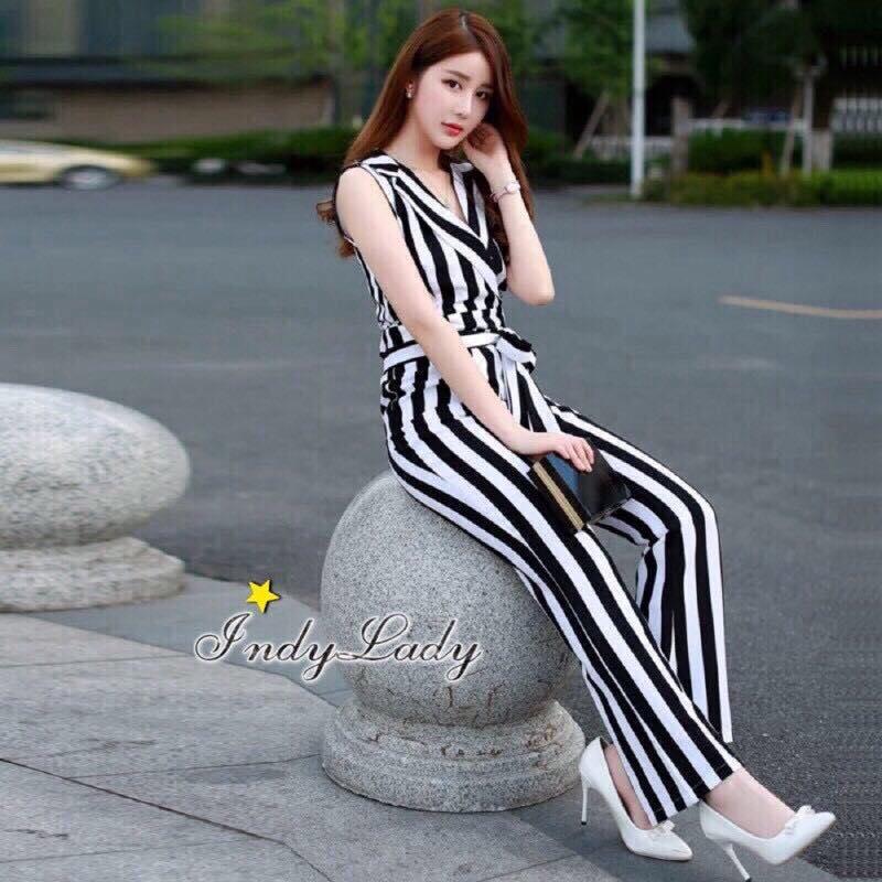 เสื้อผ้าเกาหลี พร้อมส่งJumpsuit คอปก งานสวยมากๆผ้าดีสุดๆ