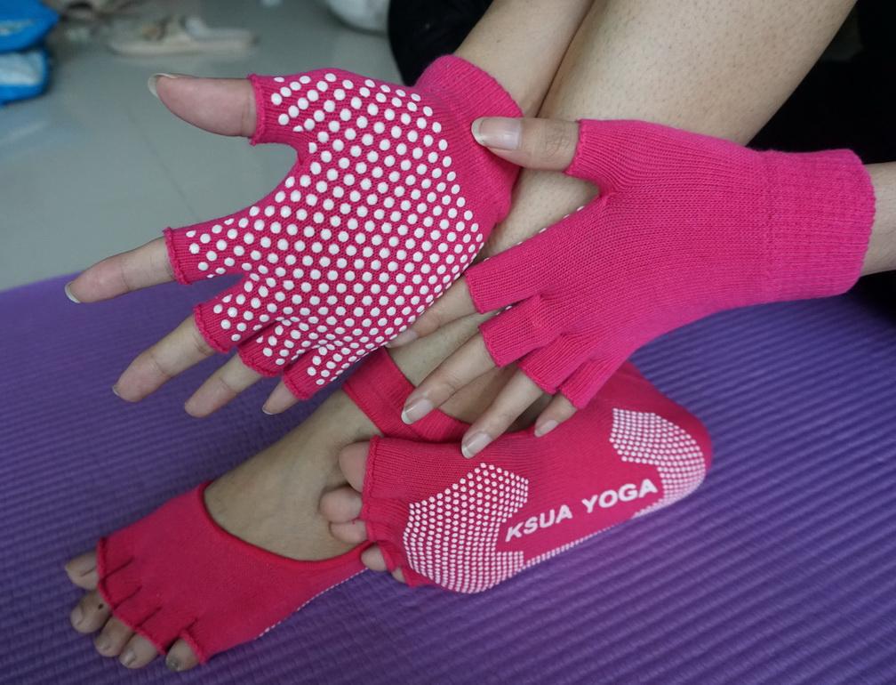 (พรีออเดอร์) ถุงมือ ถุงเท้าโยคะ กันลื่น YKSM30-30