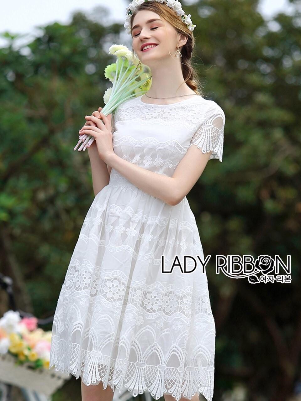 ชุดเดรสเกาหลี พร้อมส่งเดรสผ้าลูกไม้สีขาวสไตล์คลาสสิกสุดหวาน