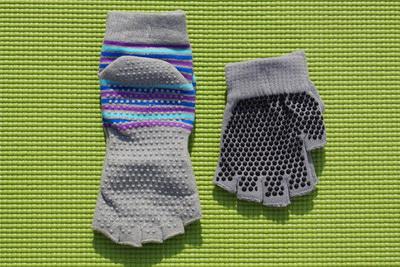 (พรีออเดอร์) ถุงมือ ถุงเท้าโยคะ กันลื่น YKSM50-7