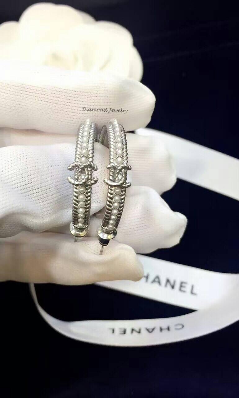 พร้อมส่ง Chanel Earring งานห่วงประดับมุก เรียบหรูดูดีต้องคู่นี้