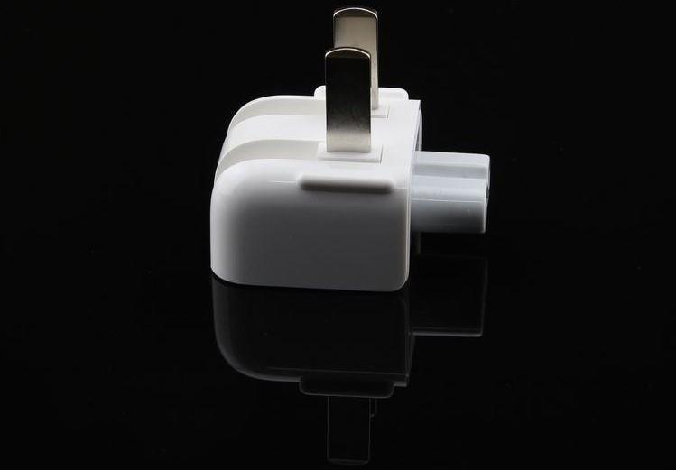 adapterหัวแปลง ใช้กับ ที่ชาร์จของiPhone ipad macbook ขาแบน ราคา200ส่งฟรีems รับประกัน1เดือน