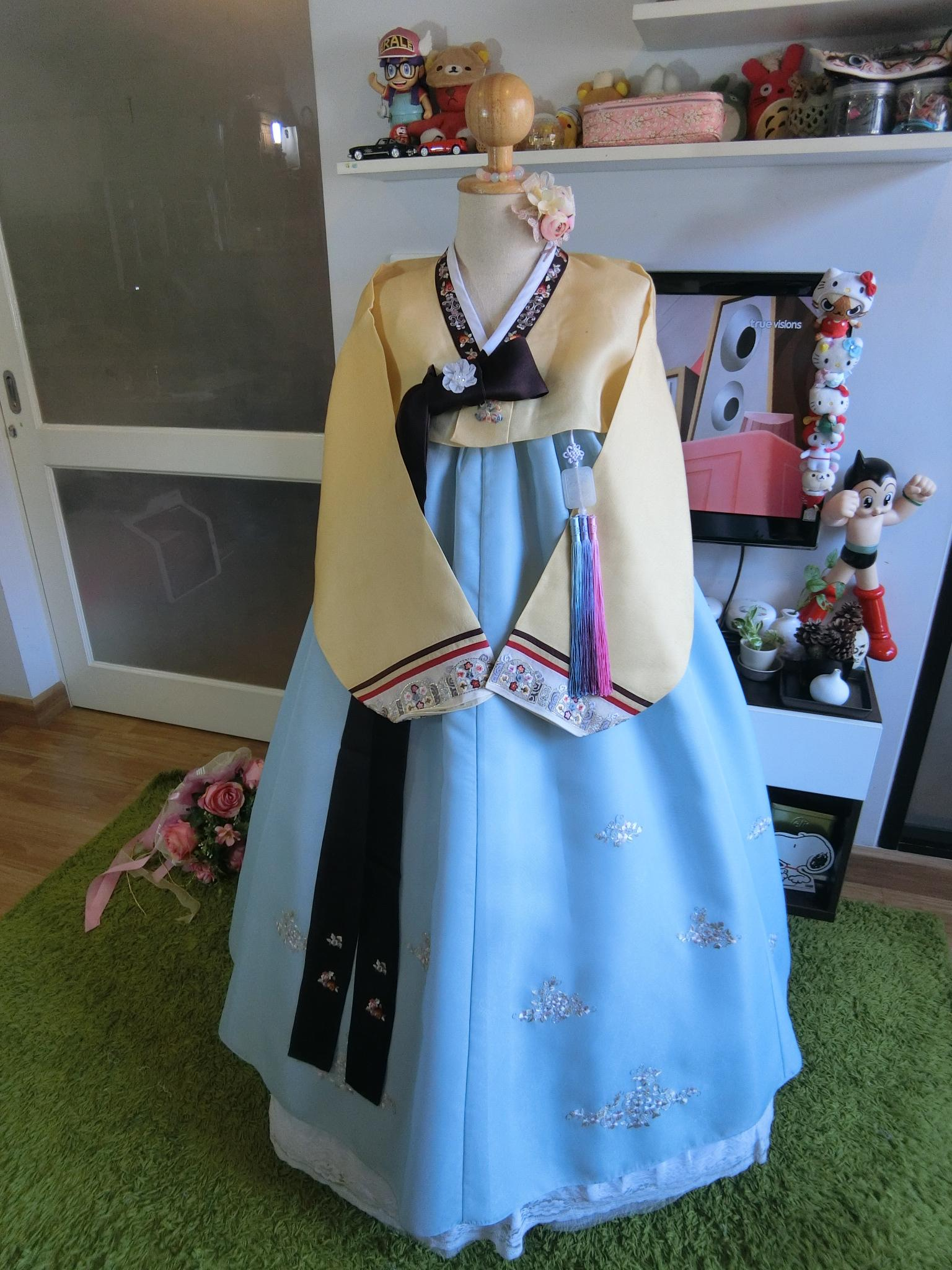 """Hanbok สีส้มตัดฟ้าปักมือดิ้นทอง อก 38"""" สูง 155"""
