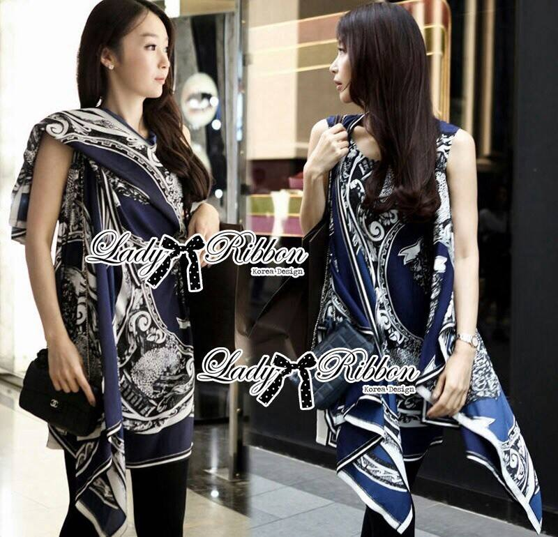 DR-LR-061 Lady Marilyn Desirable Bold Statement Printed Overdress