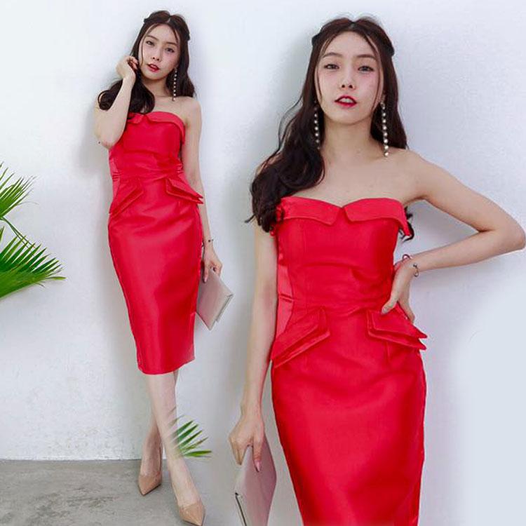 ชุดราตรีสีแดง เดรสเกาะอก