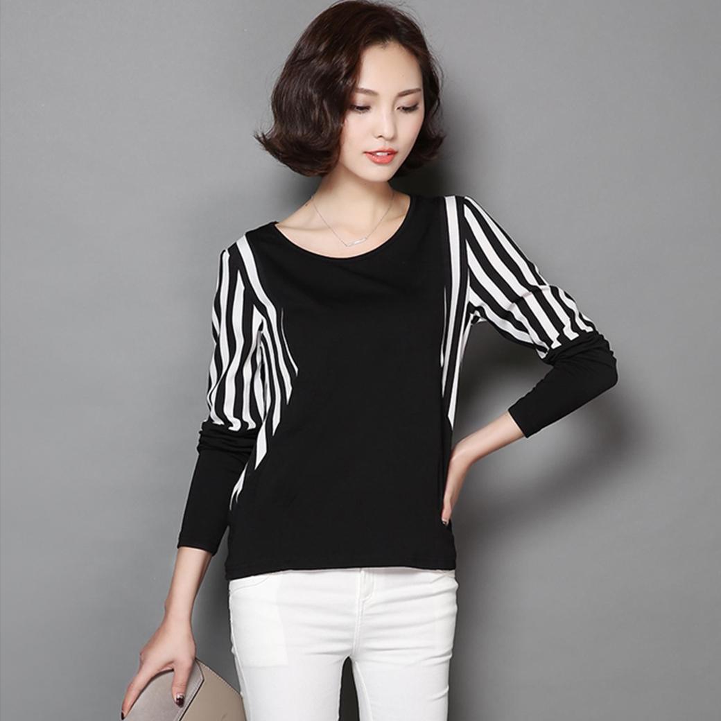 เสื้อแฟชั่นสีดำ แขนปีกค้างคาวแต่งแถบสีขาวสลับดำ น่ารัก