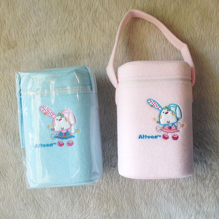 กระเป๋าโฟมใส่ขวดนมหุ้มผ้าขนหนู ยี่ห้อ Attoon ปักลายการ์ตูนน่ารัก
