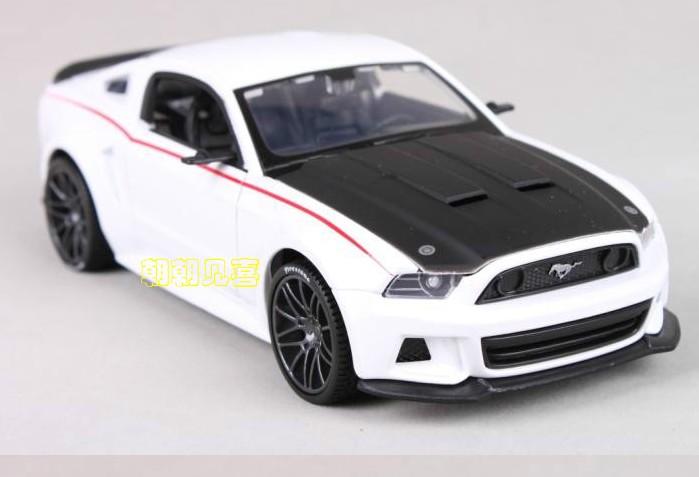 พร้อมส่ง โมเดลรถเหล็ก Ford Mustang Street Racer ปี 2014 สีขาว สเกล 1:24 มีโปรโมชั่น