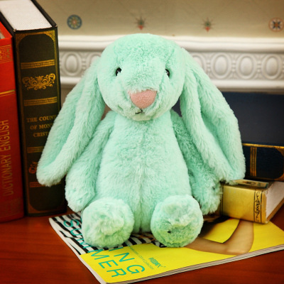 ตุ๊กตากระต่ายสีเขียว