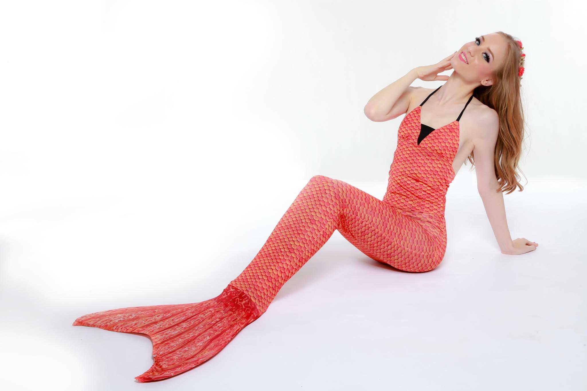 Orange Scale Mermaid Tail Set เสื้อแบบผูกคอ