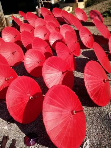 ภาพการทำร่มเคลือบน้ำมัน 17นิ้ว ของทางร้านร่มงาม ร่มเชียงใหม่