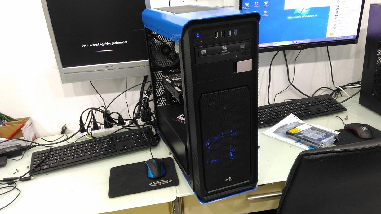 AMD FX4350 RX460 4GB.