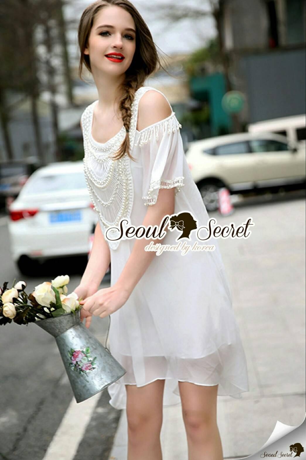 Seoul Secret Say's... Open Shoulder Pearly&Diamond Furnish Dress สีขาว