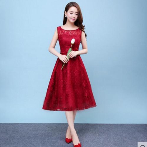 ชุดเดรสออกงานสีแดง ผ้าลูกไม้เกรดพรีเมี่ยม คอกลม แขนกุด เอวแต่งดอกไม้ ชุดสวยเหมือนแบบ มีของพร้อมส่ง