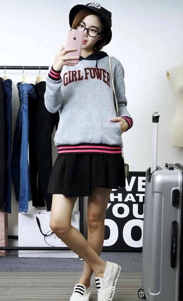 (ภาพจริง)เสื้อกันหนาวแฟชั่น แขนยาว มีฮูด Girl Fower สีเทา