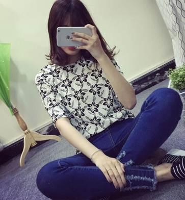 (SALE) เสื้อแฟชั่น ลายดอกไม้ ผ้าฝ้าย ปักลาย สีดำ