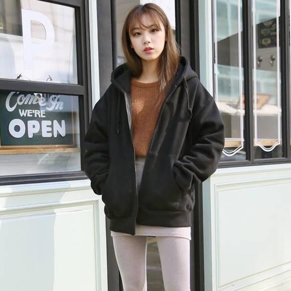 (ภาพจริง)เสื้อคลุมกันหนาว มีฮูด แขนยาว ผ้าฝ้าย บุกันหนาว สีพื้น สีดำ