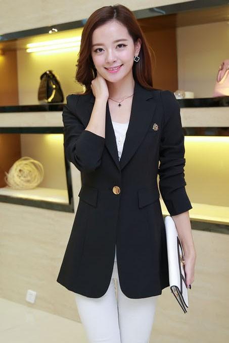 เสื้อสูทแฟชั่น เสื้อสูทผู้หญิง สีดำ ตัวยาวคลุมสะโพก แต่งสายคาดเอวด้านหลัง