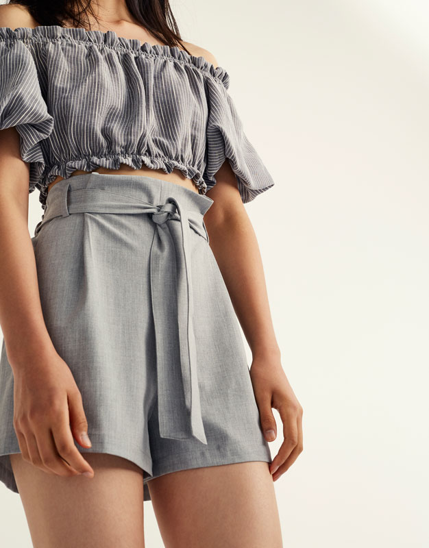 Pull&Bear Tailored shorts with bow belt