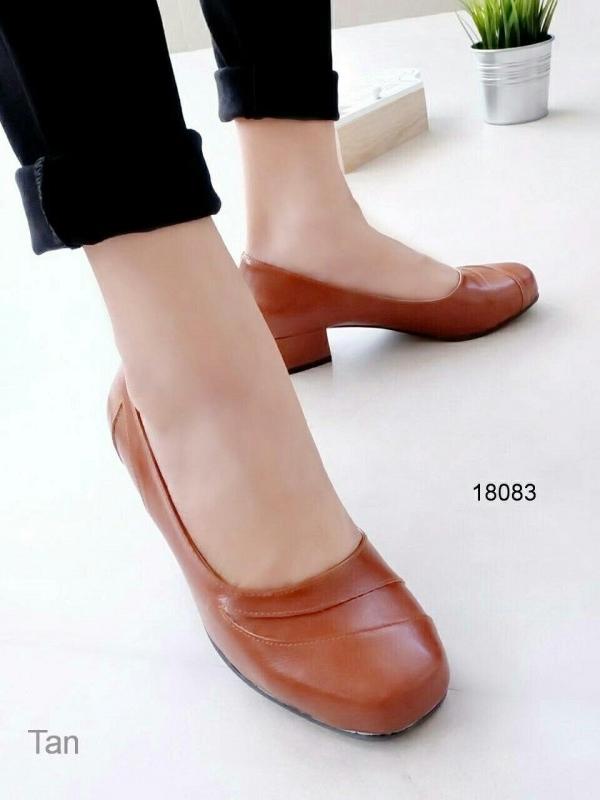 รองเท้าคัทชูส้นเหลี่ยม หน้าตัด (สีแทน)