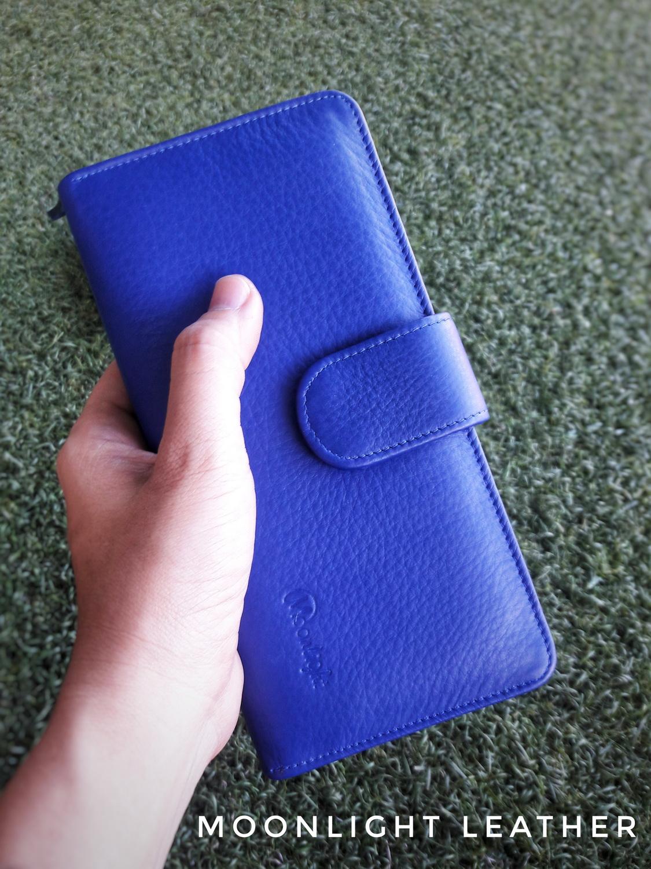 กระเป๋าสตางค์ผู้หญิง ใบยาวสวยงาม สีน้ำเงินสด หนังวัวแท้แสนนุ่ม ทนทาน โดนน้ำได้ ไม่ลอกร่อน พร้อมกล่องแบรนด์แท้ Moonlight