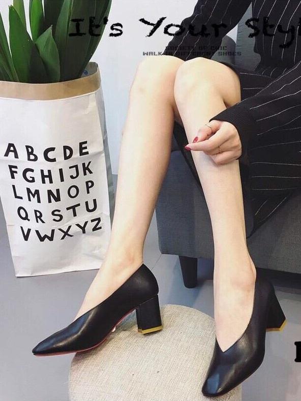 รองเท้าคัทชูผู้หญิง หนังนิ่ม หน้าวี ทรงสุภาพ (สีดำ )