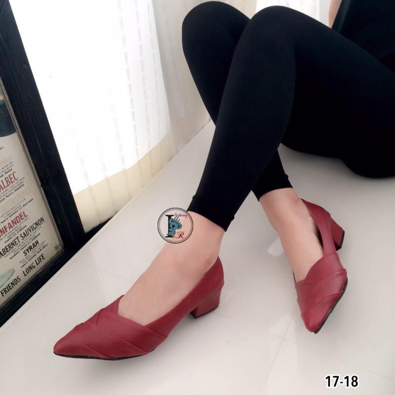 รองเท้าคัทชูหนัง หัวแหลม (สีแดง )
