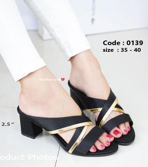 รองเท้าส้นตันสีดำ เปิดส้น Chunky Sandals (สีดำ )
