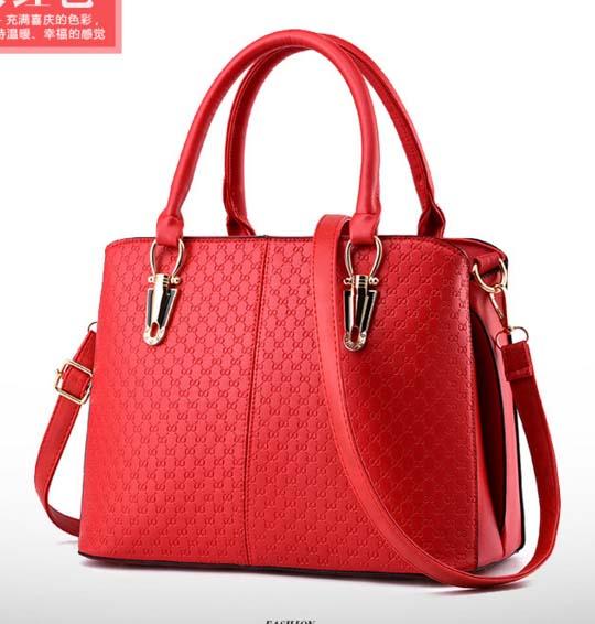พร้อมส่งกระเป๋าผู้หญิง ถือและสะพายข้างแฟชั่นสไตล์ยุโรป เรียบหรู แต่งลายOO รหัส KO-486 สีแดง
