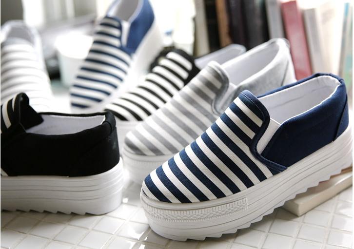 รองเท้าผ้าใบเกาหลี ส้นสูง 5 ซม.ดีไซน์ลายขวาง