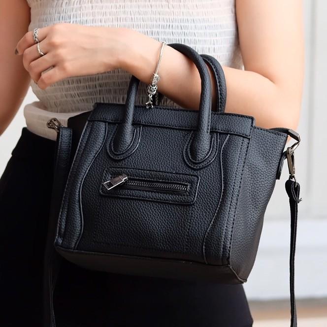 กระเป๋าสะพายแฟชั่น กระเป๋าสะพายข้างผู้หญิง งานซิลิโคน ซีลีนคลาสสิค (CELINE CLASSIC) อะไหล่เงิน [สีดำ ]