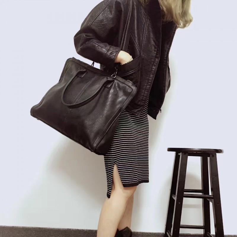 กระเป๋าสะพายแฟชั่น กระเป๋าสะพายข้างผู้หญิง สะพายหนังใหญ่ [สีเทาเข้ม]