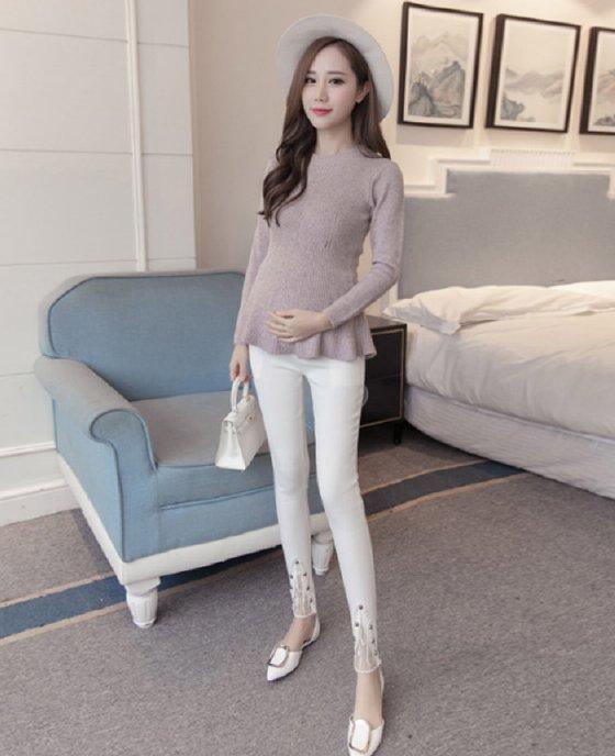 กางเกงขายาวคนท้อง ปลายขาแต่งผ้าโปร่งมีลาย มีกระเป๋าหน้า-หลัง สีขาว สำเนา