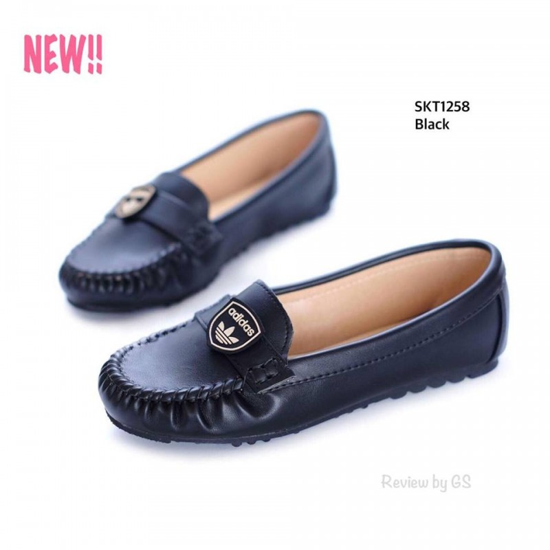 รองเท้าคัทชูส้นเตี้ย สไตล์สุขภาพ หนังนิ่ม เย็บหัวอย่างดี (สีดำ )