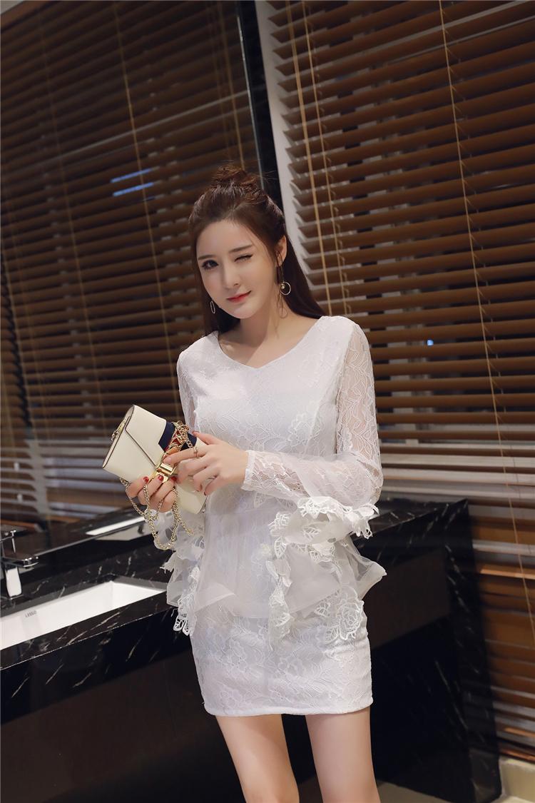 ชุดลูไม้ออกงานสีขาวกระโปรงบานน่ารักๆ