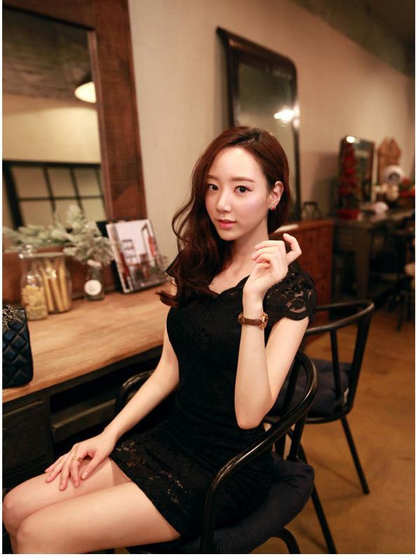 ชุดเดรสแฟชั่นเกาหลีลูกไม้สีดำแขนสั้นสวยๆ