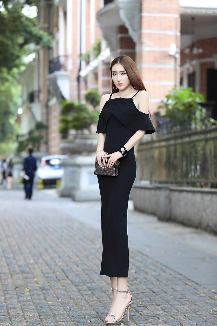 ชุดเดรสแฟชั่นเกาหลียาวสีดำไฮโซราคาถูก