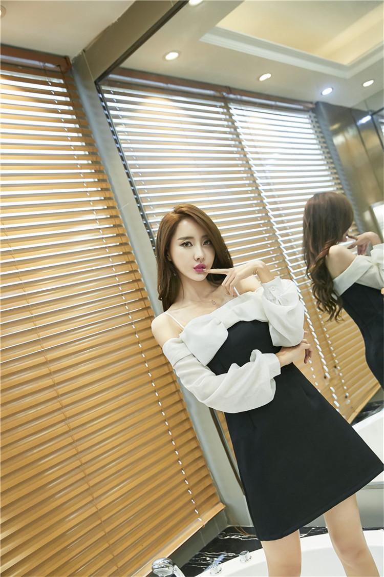 ชุดเดรสแฟชั่นเกาหลีเปิดไหล่แขนยาวน่ารักๆ