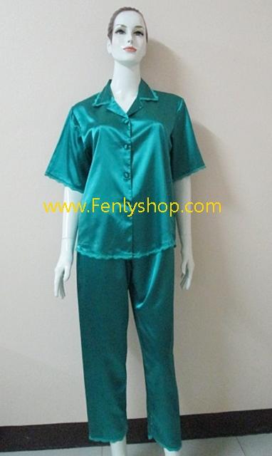 ชุดนอน(ญ)ผ้าซาตินแขนสั้นขายาวฟรีไซส์ แบบสีพื้นเขียวเข้ม ตกแต่งด้วยผ้าลูกไม้