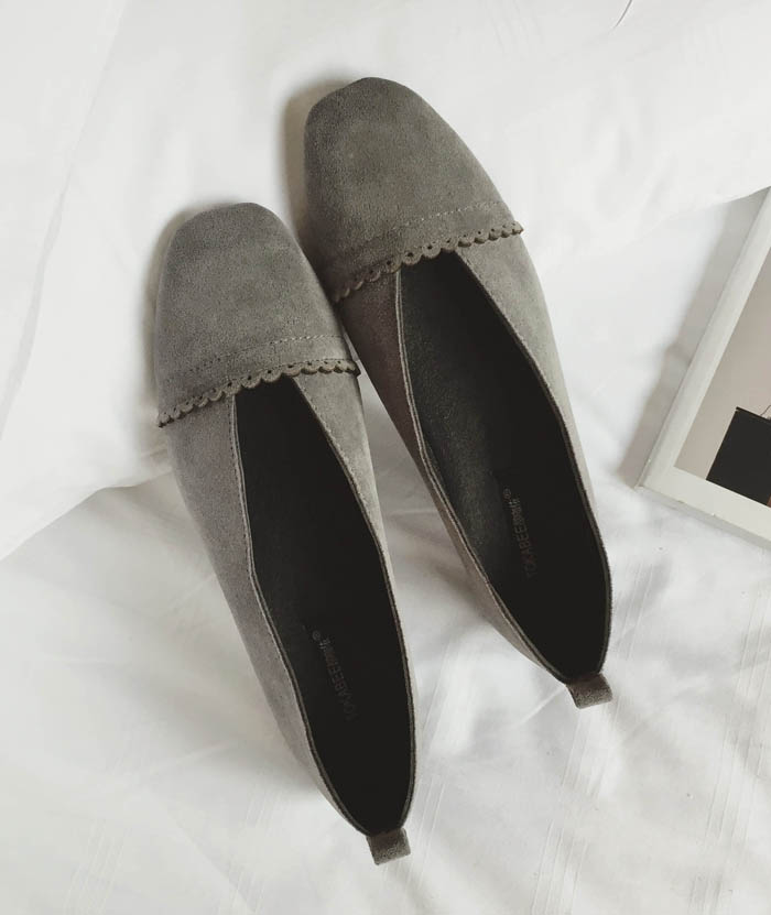 Preorder รองเท้าแฟชั่น สไตล์เกาหลี 35-40 รหัส GB-2844