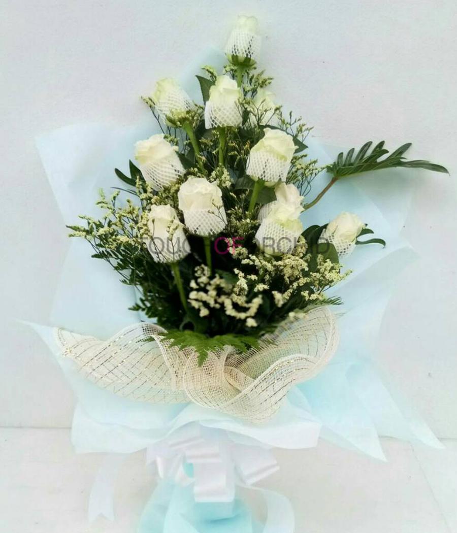 ช่อดอกกุหลาบขาว 11 ดอก
