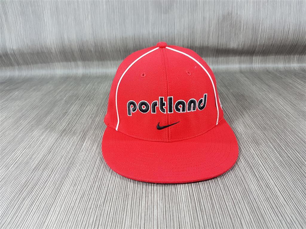 หมวก Nike NBA ทีม Portland Trialblazers Fitted ไซส์ 55-57cm
